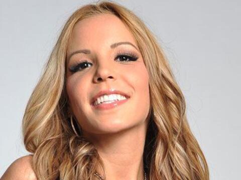 No queremos que te olvides de la bella Paola Corvea.