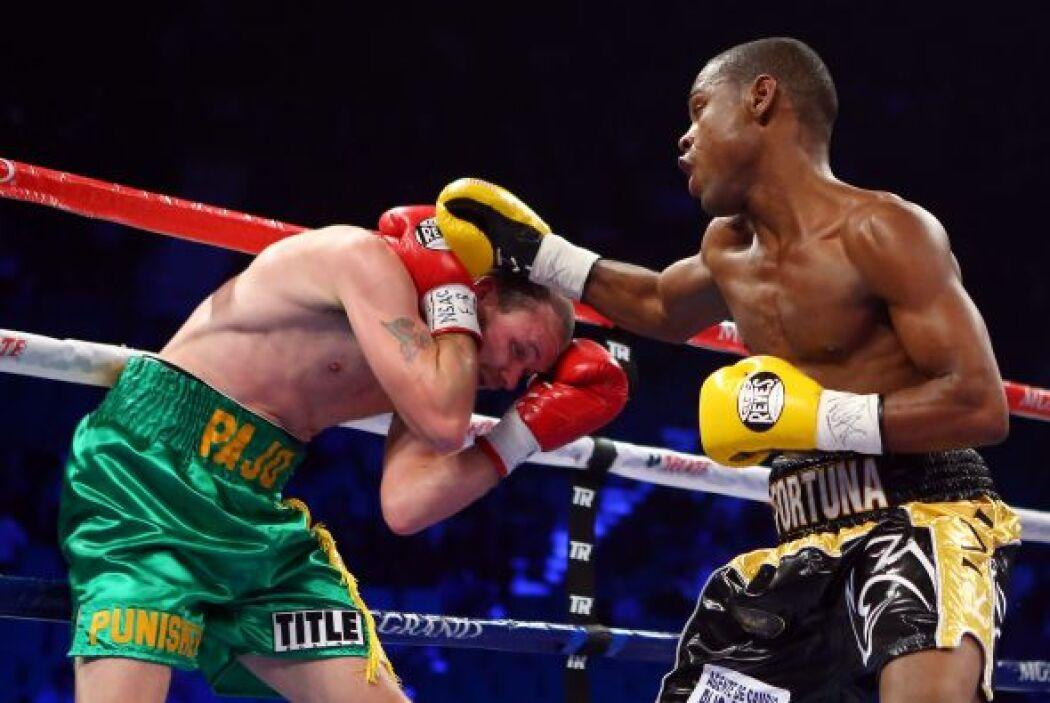 Javier Fortuna ganó casi todos los rounds. de la pelea.