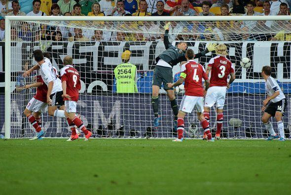 Los daneses hicieron de las suyas y empataron el partido 1-1 con este go...