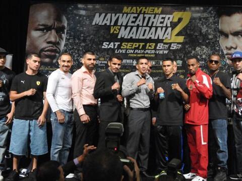 En el MGM de Las Vegas se presentaron las peleas preliminares de la cart...