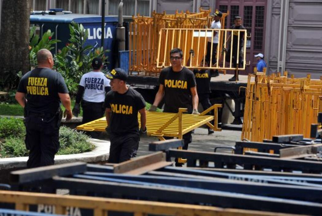 Costa Rica, un país sin ejército, amaneció el viernes en estado de alert...