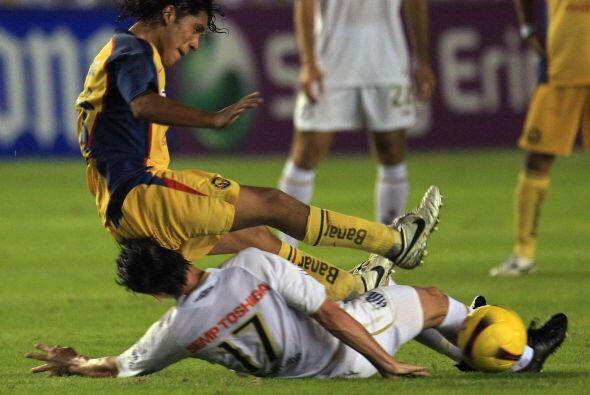 Su siguiente reto fue el Santos, otra escuadra de Brasil, pero las &Aacu...