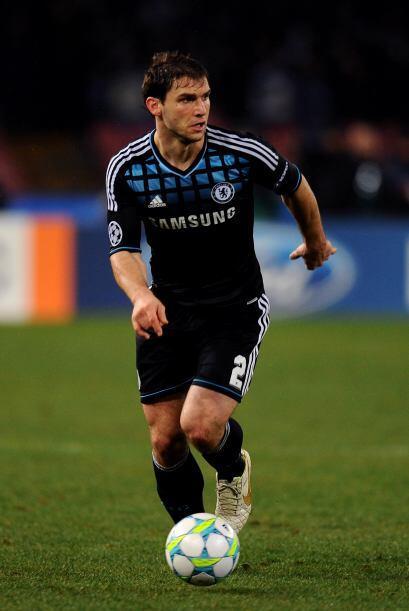 Continuamos con el serbio Branislav Ivanovic del Chelsea.