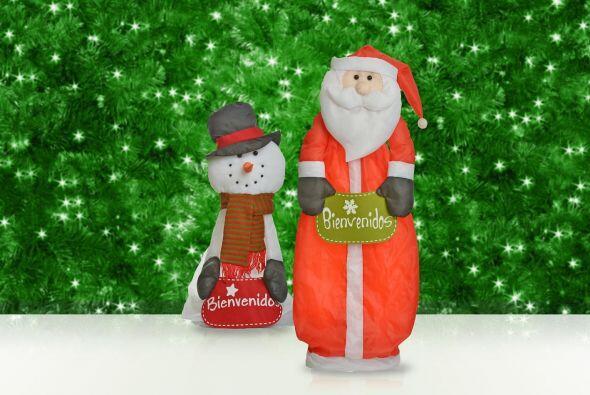 Los muñecos inflables aportan mucho interés a tu casa en Navidad, hay mu...