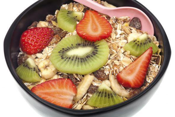 Cereal integral con leche de almendras A veces un pequeño tazón de cerea...