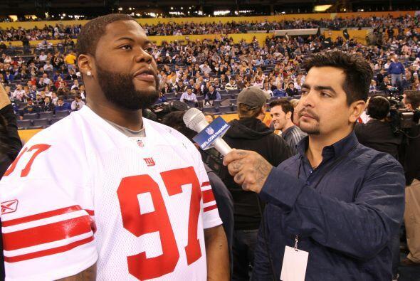 Tan profesional el entrevistado como el entrevistador en su cita en el L...