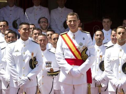 El Rey Felipe VI tras presidir el acto de entrega de Reales Despachos a...