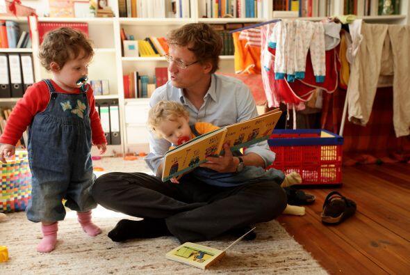 USA LIBROS PARA CREAR LAZOS - Cuando tu hijo se sienta en tu regazo para...