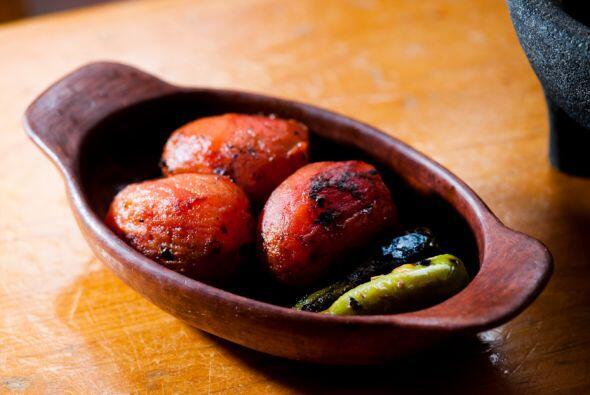 Piensa lo fácil que es comer jitomate. Simplemente inclúyelo en salsas y...