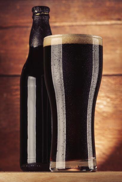 El gouda y el parmesano con cervezas negras.