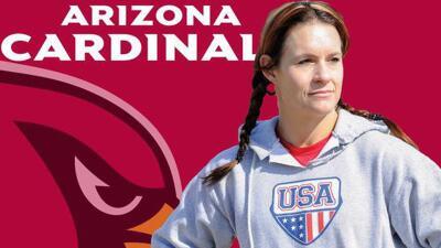 Primer mujer que entra como coach a la NFL.