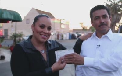 El hispano que devolvió un cheque que se encontró por la calle vive en u...