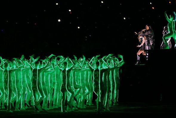 Una gran gama de efectos tuvo esta presentación de los Black Eyed Peas.
