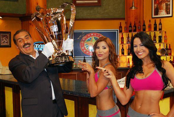 El presidente Fiore y las Senadoras cuidaron muy bien la copa...