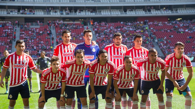 Afición de Chivas abucheó a su equipo en la derrota ante León