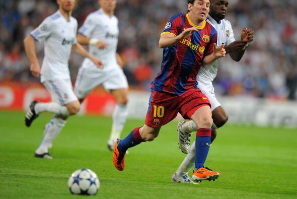 Sin embargo fue el Barcelona el que nuevamente comenzó tomando la inicia...