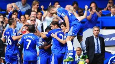 Ante la mirada de su afición y de Mourinho, los 'Blues' empezaron la Lig...