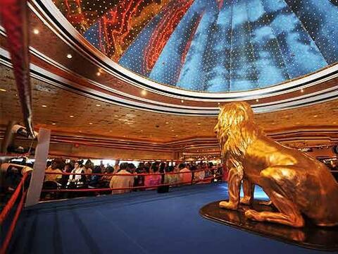 El lobby del MGM Grand fue invadido por fanáticos del boxeo a la...