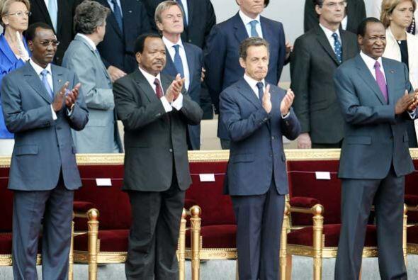 Sarkozy dijo que la presencia de países africanos homenajeó los estrecho...