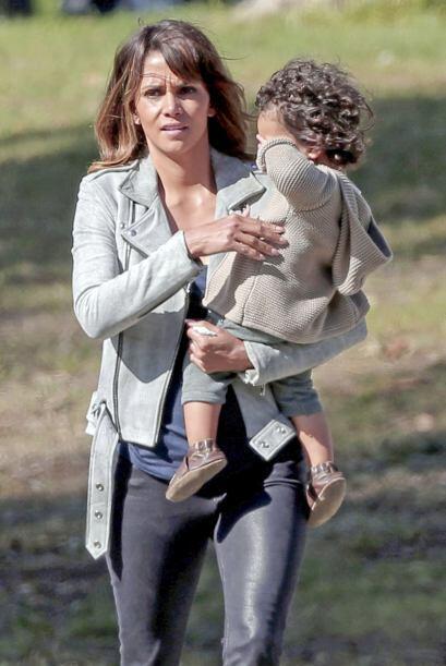 Es el hijo que tiene la actriz con Olivier Martinez.