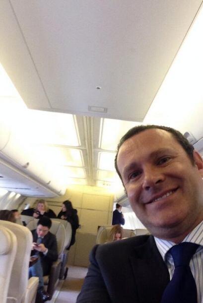 """""""Ya en el avión privado hacia París con @tomcruise para @DespiertaAmeric..."""