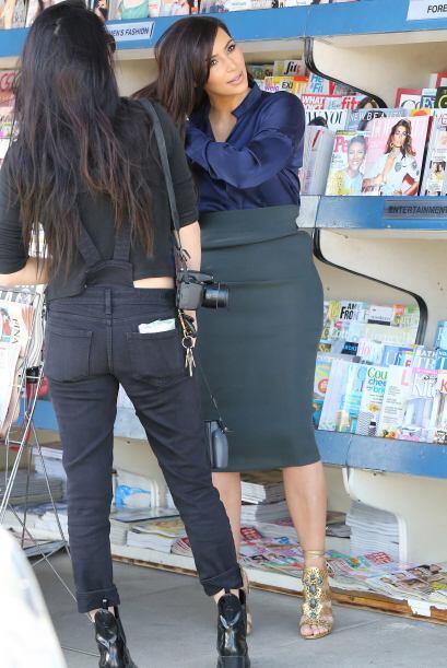 La famosa de 33 años vistió muy formal para sus compras. Mira aquí los v...