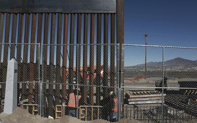Los fondos para construir el muro fronterizo no estarán incluidos en el...