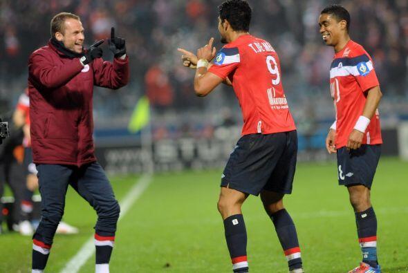 Tulio De Melo metió un gol para el Lille en Francia, sin embargo,...