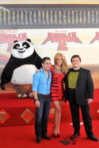 """Omar Chaparro dio voz en español al oso """"Po"""" de la película """"Kung Fu Pan..."""