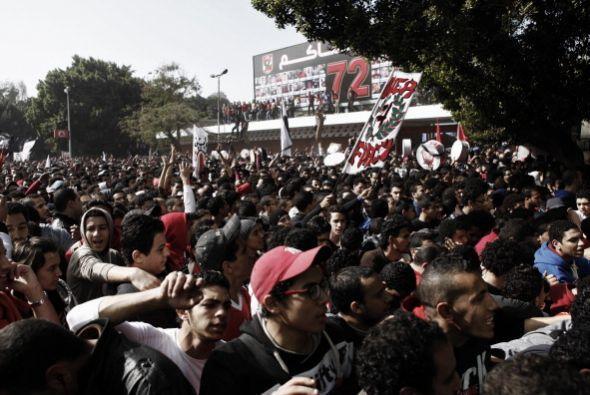Un juez de El Cairo condenó a 21 personas a muerte en relación con la tr...