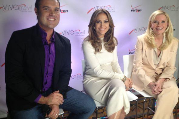 Alberto Sardiñas estuvo con la cantante Jlo en el lanzamiento de su nuev...