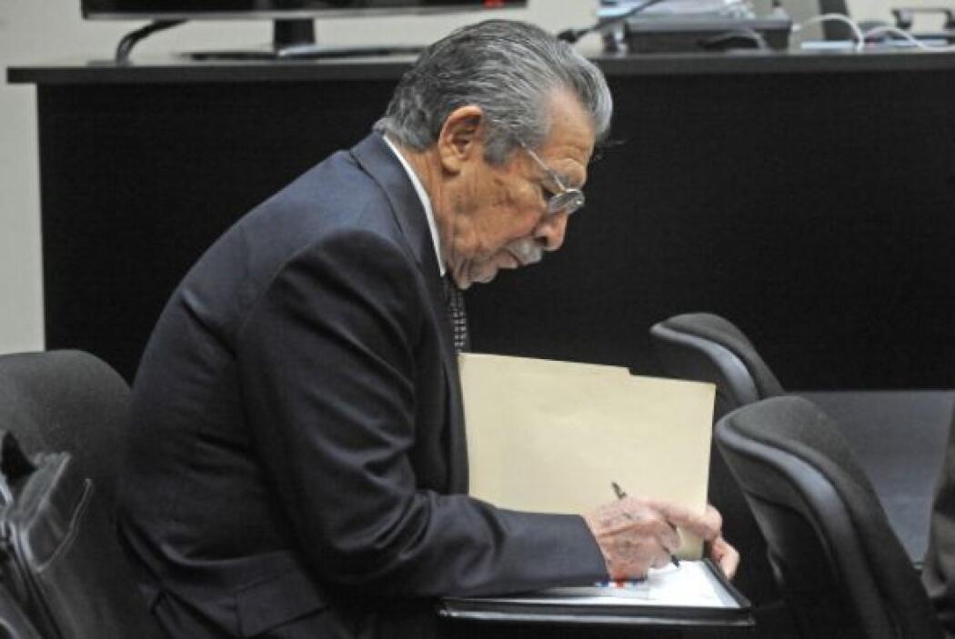 Por contra, el fiscal López aseguró a Efe que sí cuenta con evidencias q...