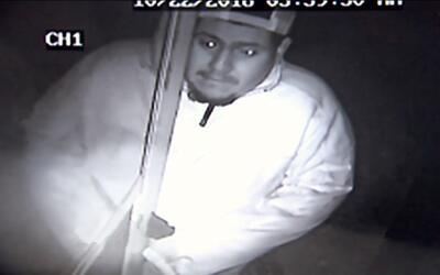 La policía de Fort Worth, Texas busca a este sospechoso que se me...