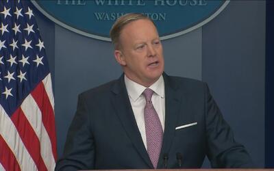 Sean Spicer aclara por qué todavía no se ve el sitio web en español de l...