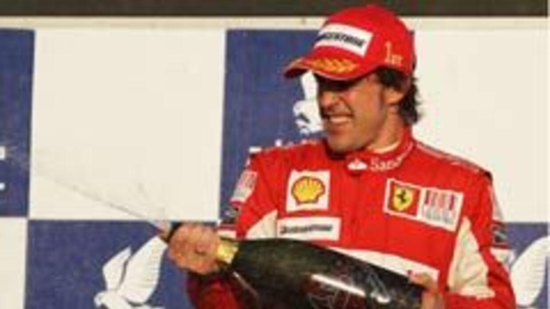 Banco asegura los pulgares de Fernando Alonso por $13 millones 5cba08454...