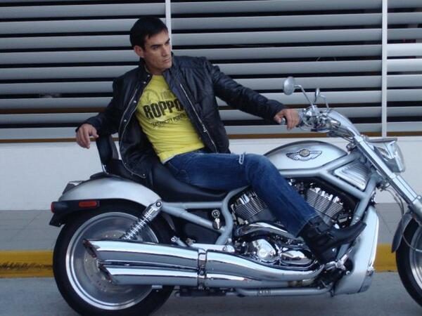 ¡Súbete a su moto! Estos actores aman las motocicletas