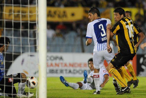 El conjunto charrúa se impuso con goles del chileno Juan Manuel O...
