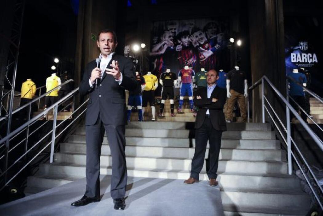 Sandro Rosell, presidente del conjunto 'blaugrana', condujo el acto por...