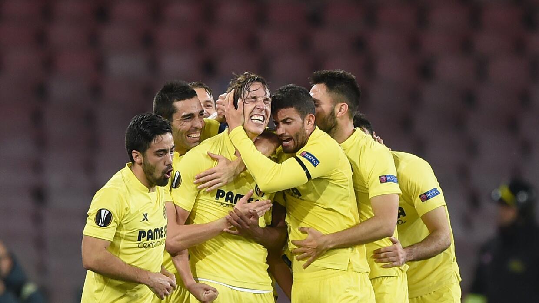 Villarreal logra pase a octavos en Nápoles