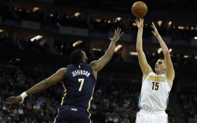 Nikola Jokic sumó 22 puntos y 10 rebotes.