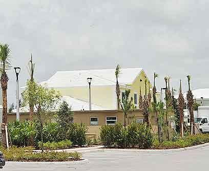Casas 'verdes'Unas veinte familias hispanas, que desde hace años viven e...