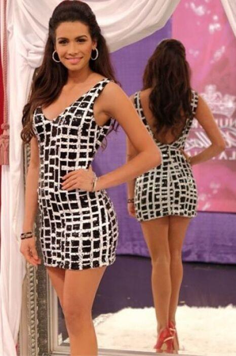Sin duda su belleza le permite lucir cualquier vestido.