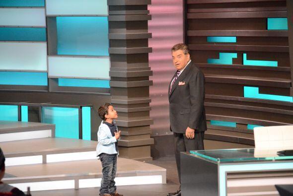 El show dio inició con Javiercito sugiriendo un cambio en el prog...