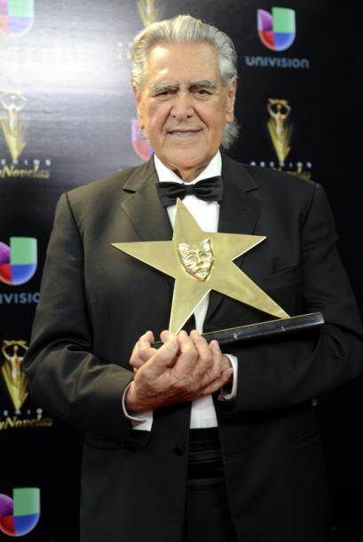 Don Eric del Castillo recibió un reconocimiento especial por su vasta tr...