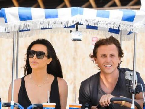 Kim Kardashian se la pasa de paseo en paseo.Mira aquí los videos...