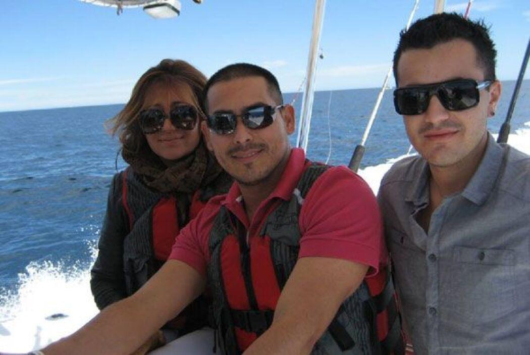 Uno de los pasatiempos favoritos de Espinoza Paz es la pesca deportiva,...