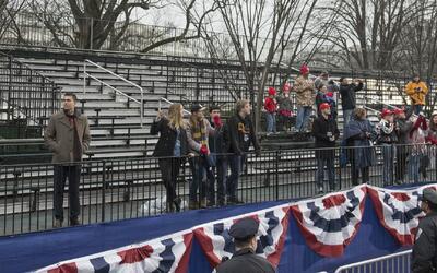 En la investidura de Donald Trump hubo menos asistentes que en la de Bar...