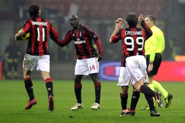De este modo, los 'rossoneri' siguen como líderes del 'Calcio'.