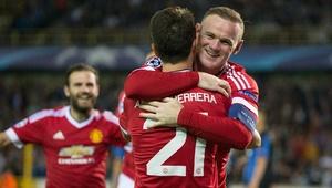 Man-United golea y avanza en 'Champions'