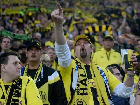 El Signal-Iduna-Park en Dortmund, Alemania recibía la segunda sem...